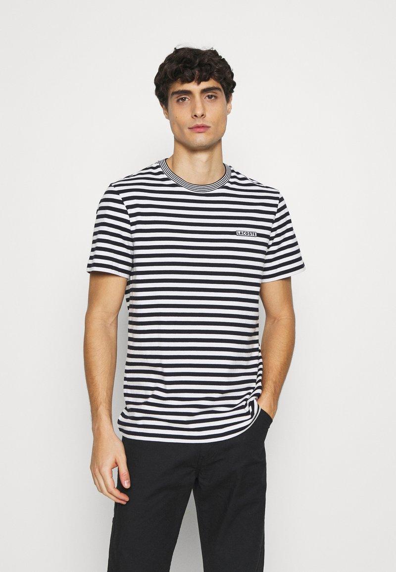 Lacoste - Print T-shirt - farine/abimes