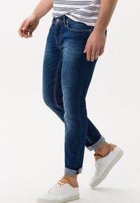 BRAX - CHRIS - Jeans slim fit - darkblue - 0