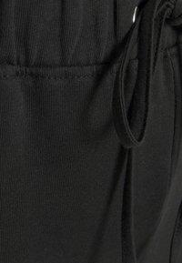 Vero Moda Curve - VMANE - Kalhoty - black - 6