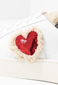 Love Moschino - Sneaker low - white - 2