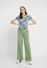 Rolla's - ELLA ROSE GARDEN BLOUSE - Button-down blouse - blue - 1