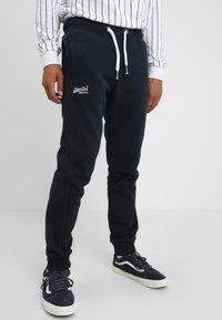 Superdry - Pantalones deportivos - eclipse navy - 0