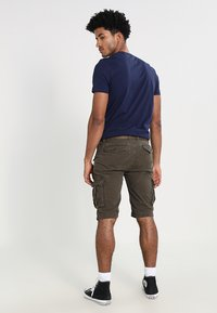 Schott - BATTLE - Shorts - olive - 2