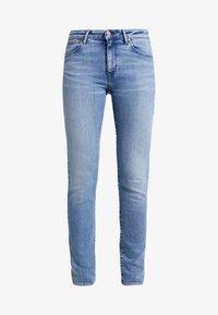 Wrangler - Slim fit jeans - ash cloud - 4