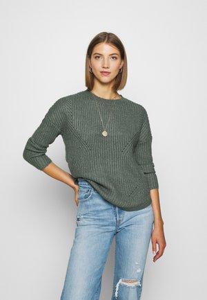 ONLBERNICE ROUND - Sweter - balsam green/white melange