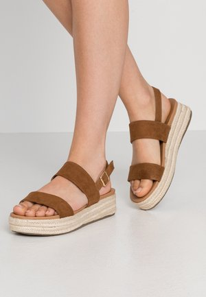 CUTE - Espadrilky - tan