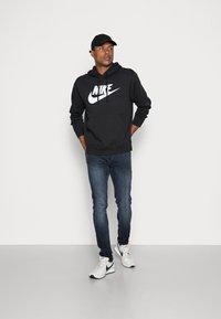 Nike Sportswear - CLUB HOODIE - Huppari - black/white - 1
