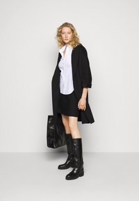 Steffen Schraut - FAVORITE SKIRT SPECIAL - A-line skirt - black - 1