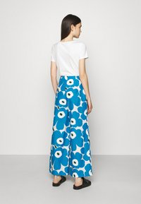 Marimekko - UNEKSUU PIENI UNIKKO TROUSERS - Trousers - blue/black/off-white - 2