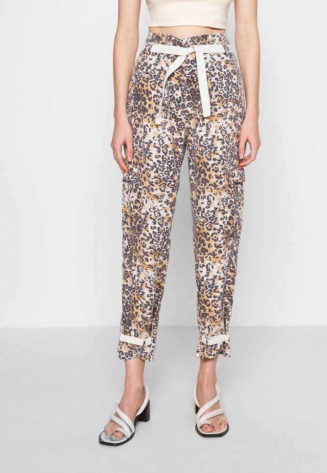 SAFARI PANTS - Kalhoty - winter white