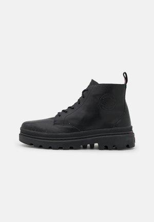 PALLATROOPER HI UNISEX - Lace-up ankle boots - black