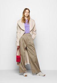 Mykke Hofmann - HERA COSA - Trousers - beige - 1