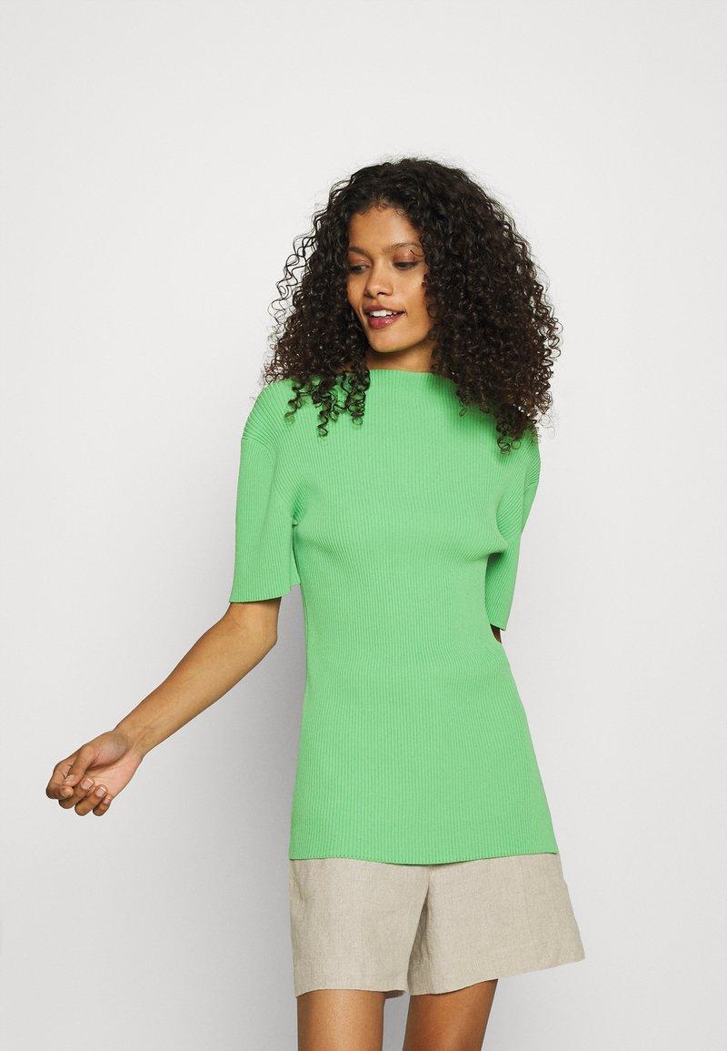 ARKET - Basic T-shirt - green