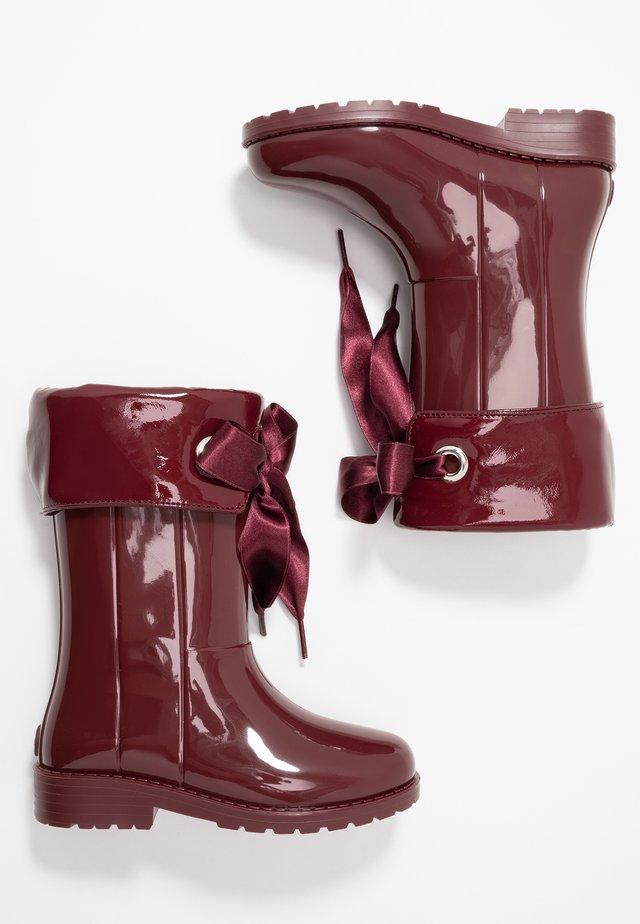 CAMPERA CHAROL - Regenlaarzen - burdeos/burgundy