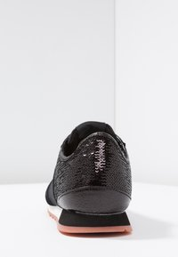 Pepe Jeans - VERONA NEW SEQUINS - Trainers - black - 5