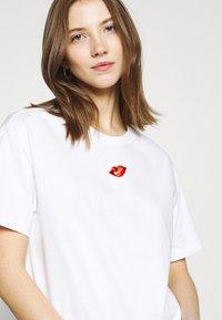 Nike Sportswear - TEE BOY LOVE - Print T-shirt - white - 3