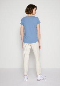 TOM TAILOR DENIM - Print T-shirt - soft mid blue - 2