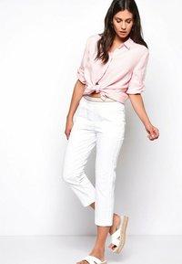 TONI - SUE - Trousers - white - 1