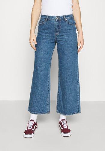 ONLSONNY LIFE WIDE - Flared Jeans - medium blue denim
