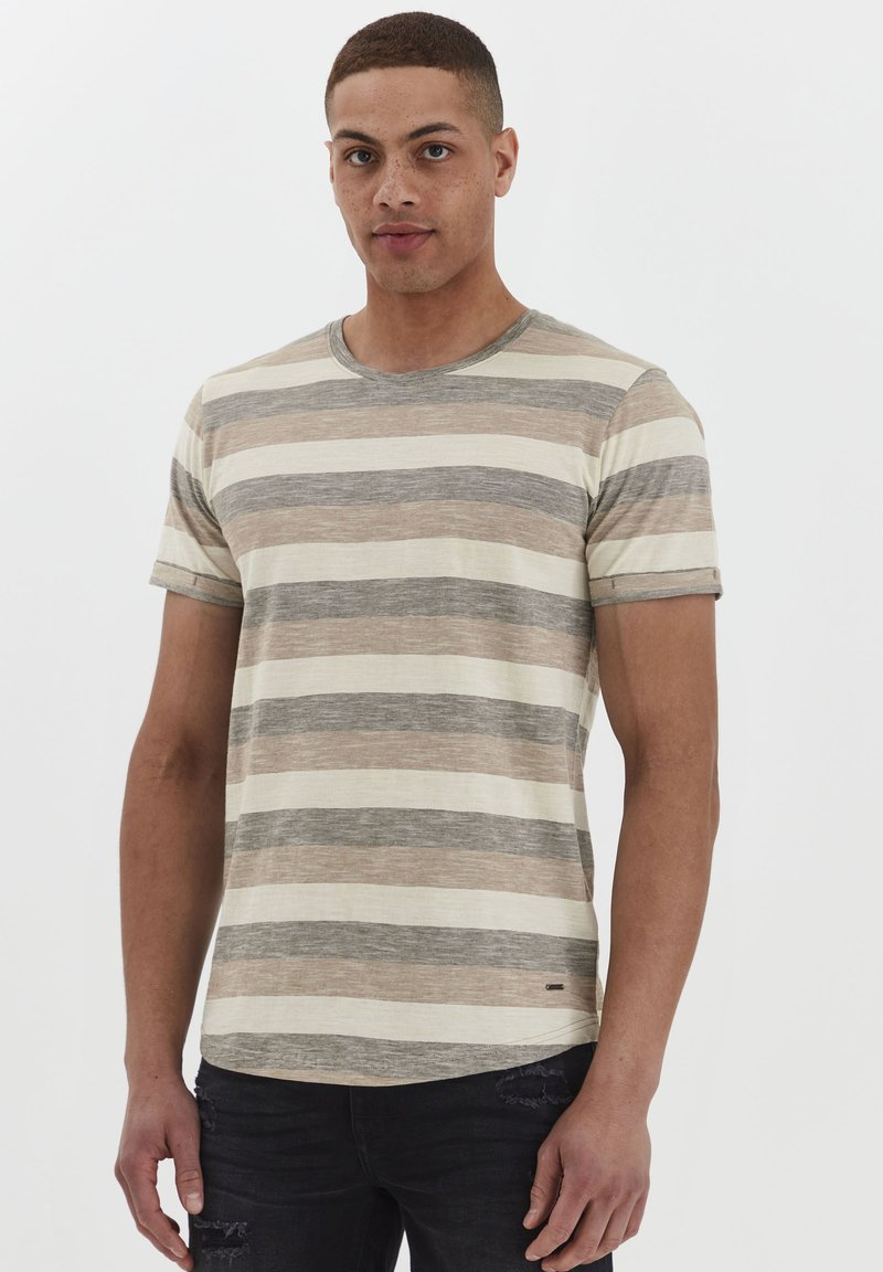 Solid - RUNDHALSSHIRT THICCO - Print T-shirt - dusty olive
