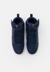 Nike Sportswear - COURT BOROUGH MID 2 UNISEX - Baskets montantes - midnight navy/metallic red bronze/midnight navy/white - 3