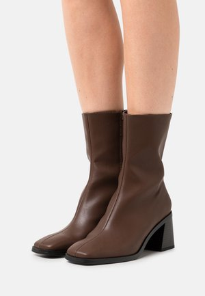 ROONEY BOOT VEGAN - Classic ankle boots - brown dark