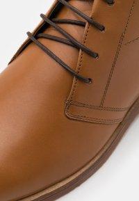 Strellson - HYDE PARK CAIRO - Zapatos de vestir - cognac - 5