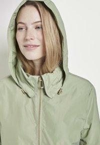 TOM TAILOR - MIT ABNEHMBARER KAPUZ - Outdoor jacket - light moor green - 3