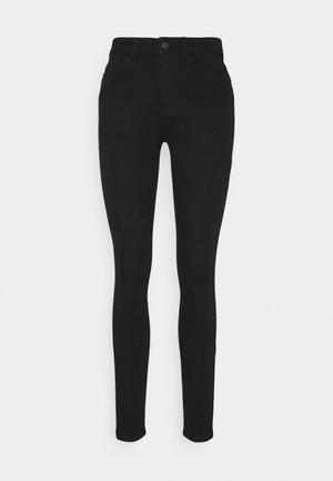 PCMIDFIVE FLEX - Jeans Skinny Fit - black