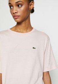 Lacoste - Basic T-shirt - light pink - 5