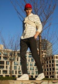 adidas Originals - CONTINENTAL 80 - Tenisky - white tint/grey one/offwhite - 6
