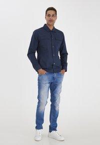 Blend - SLIM FIT - Shirt - dress blues - 0