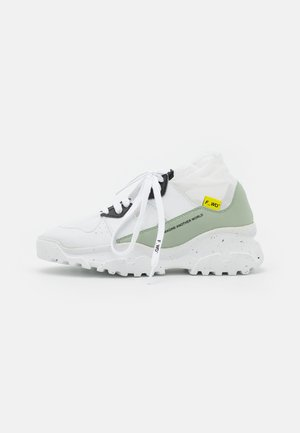 XP2_JUNK - High-top trainers - white