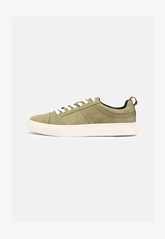 VEGAN CONNER - Trainers - green