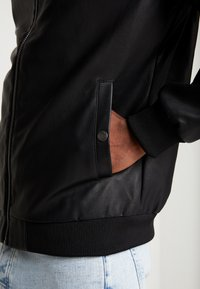 Pier One - Faux leather jacket - black - 5