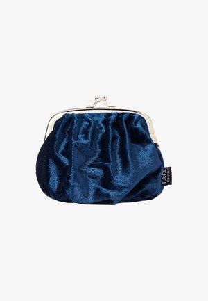 VELVET BAG - Wash bag - marinblå