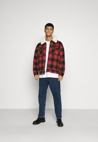Mennace - CHECK COLLAR WESTERN - Tunn jacka - red - 1