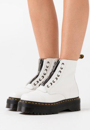 SINCLAIR - Platform ankle boots - white aunt sally