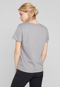 Patagonia - LOGO CREW  - Print T-shirt - feather grey - 2