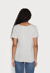 Anna Field Petite - 3 PACK V NECK  - T-shirt basic - black / white / light grey - 2