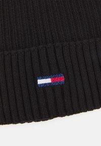 Tommy Jeans - FLAG BEANIE - Čepice - black - 2