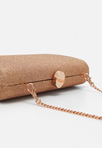 Forever New - CONNIE CIRCLE CLASP - Clutch - rose gold-coloured - 3