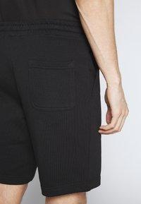 Lyle & Scott - Shorts - black - 6