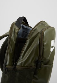 Nike Performance - Rucksack - cargo khaki/white - 4