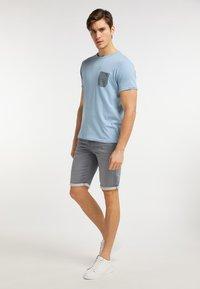 Petrol Industries - T-shirt imprimé - parrot blue - 1