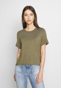 Noisy May - NMSALLE BACK DETAIL - Basic T-shirt - kalamata - 0