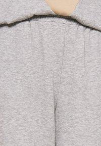Vero Moda - VMNATALIA - Tracksuit bottoms - light grey melange/birch - 5