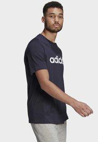 adidas Performance - T-shirt med print - legend ink - 2