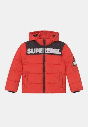 STUNG UNISEX - Zimní bunda - neon red