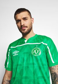 Umbro - CHAPOCOENSE HOME - Pelipaita - green/white - 3